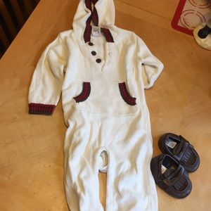Old Navy Hooded Sweater Onesie Size 6-12 Months